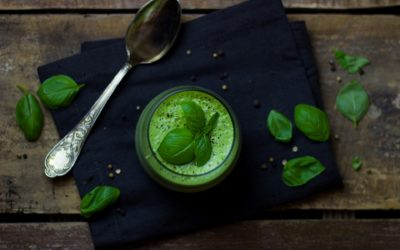 Zielona zupa ziołowa